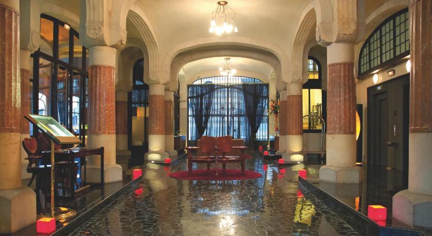 スペイン,バルセロナ,カサ フステル G.L モヌメント(Casa Fuster G.L Monumento)