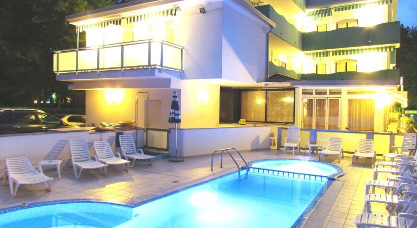 Hotel Oasi (Lignano)