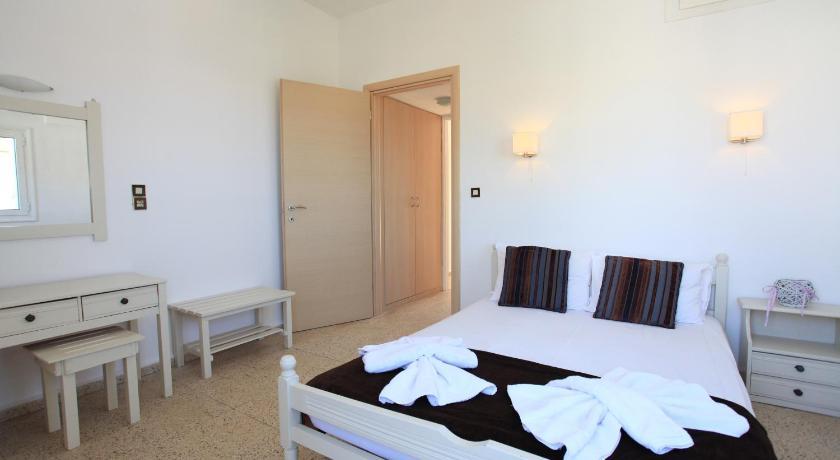 Iraklis, Hotel, Irinis 44, Stalida, Heraklion Region, 70007, Greece