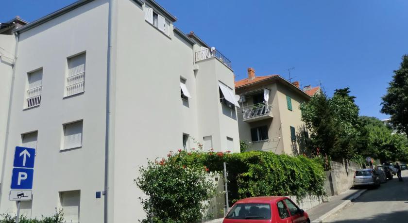 Apartments Ruži? (Split)