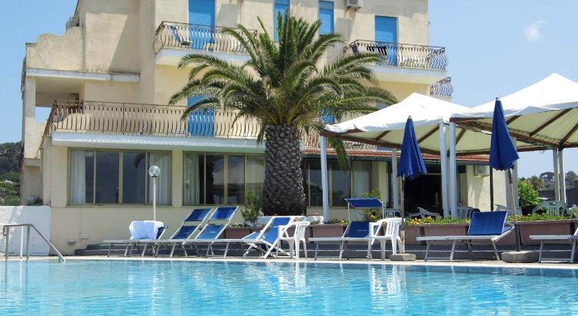 Hotel san vito ischia italy for Reservation hotel italie