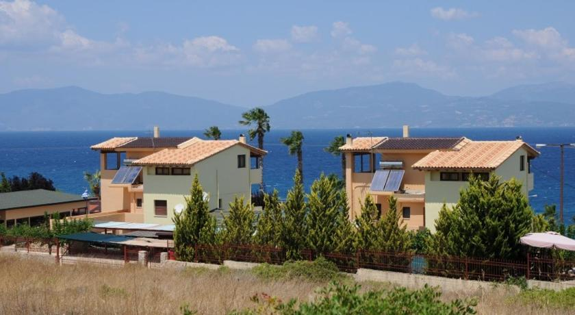 Остров Теологос дом в деревне