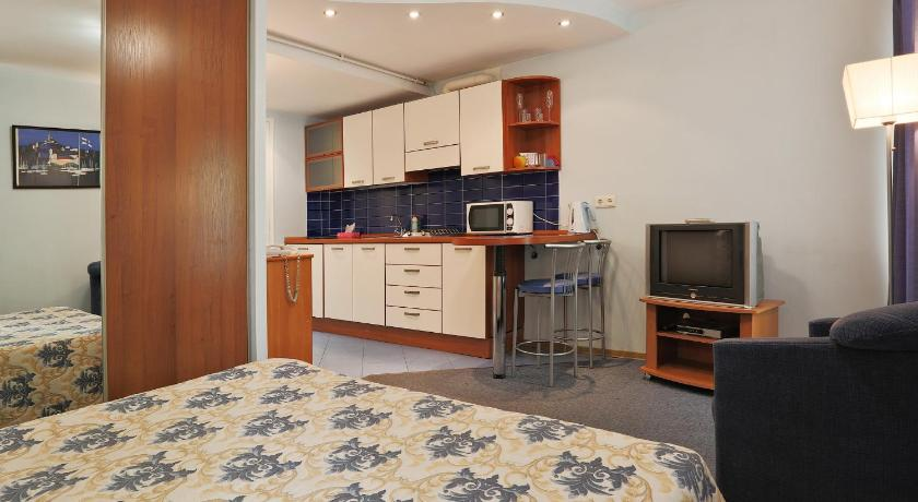 Austrian Yard-Apartments (Sankt Petersburg)