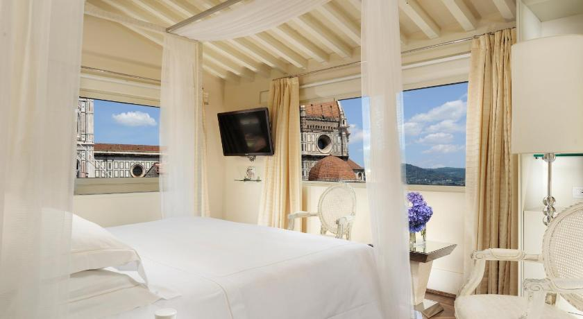 A room with a Duomo view at the Hotel Brunelleschi, Florence