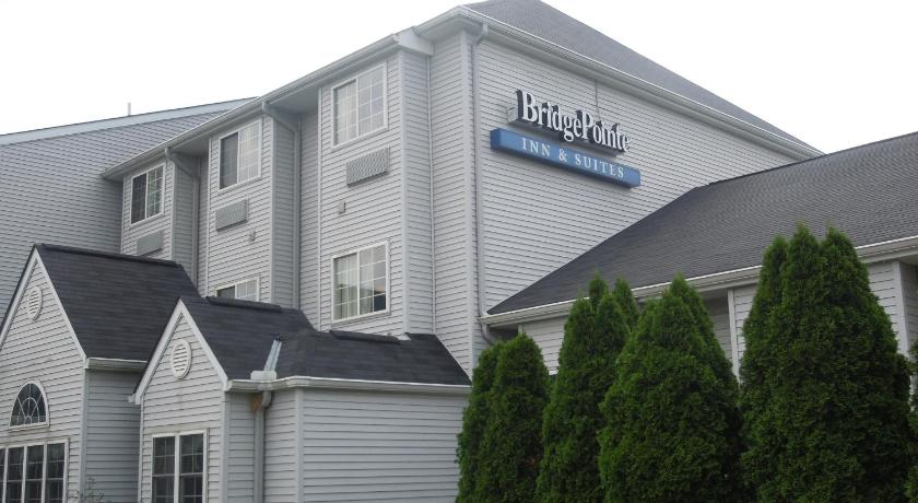 Northwood (OH) United States  city photos gallery : Bridgepointe Inn & Suites Toledo Perrysburg Bridgepointe Inn & Suites ...