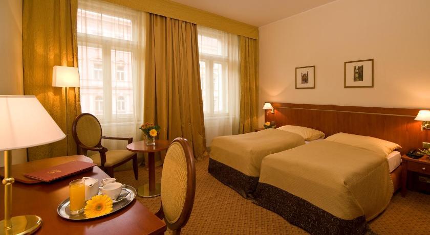 チェコ,プラハ,ホテル ラファエロ(Hotel Raffaello)