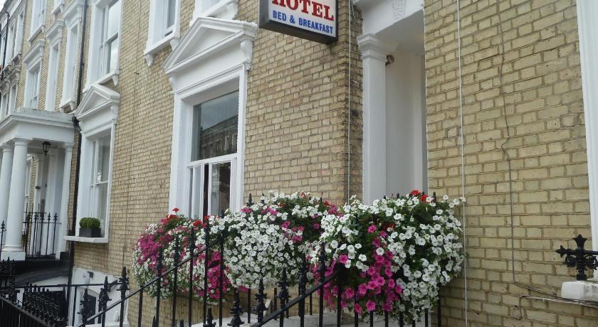 London Escorts Near Sara Hotel