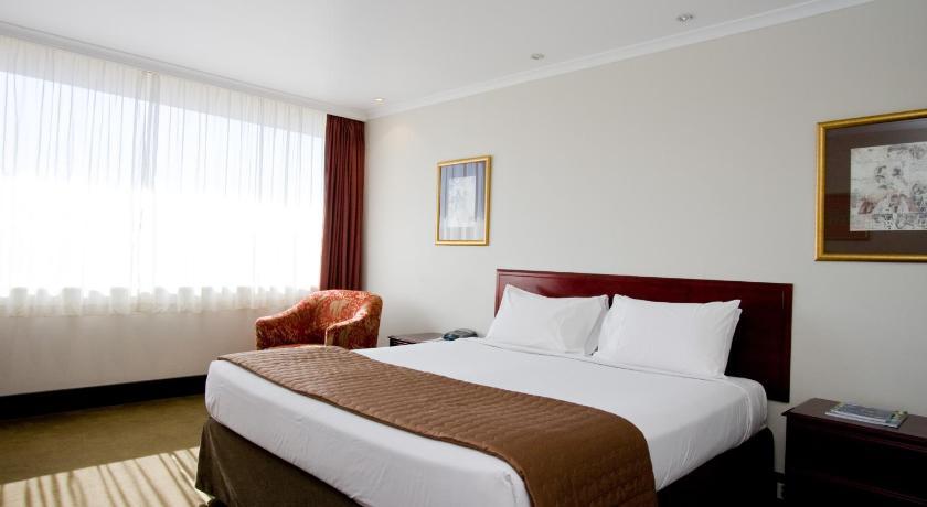 Fountainside Hotel