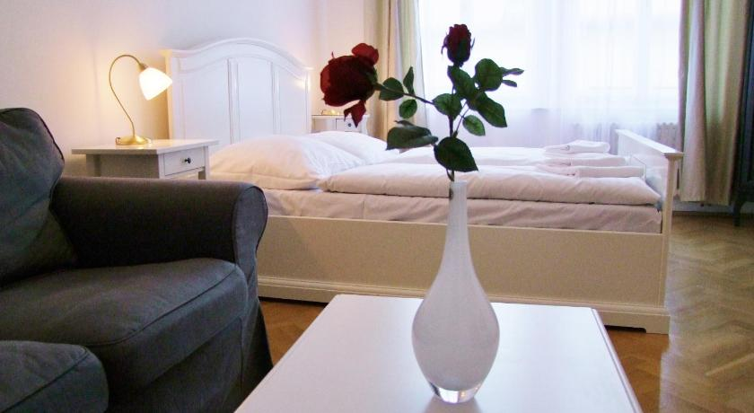 Charles Bridge Premium Apartments (Prag)