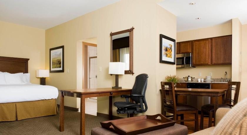 1 King Hearing Accessible Suite Mountain View Non-Smoking - Homewood Suites by Hilton Kalispell MT - 9