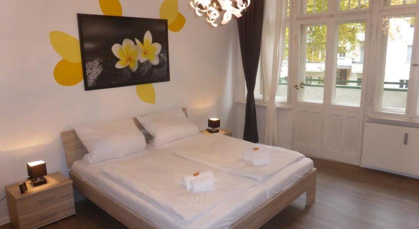 Apartments Dahlie & Nelke (Berlin)