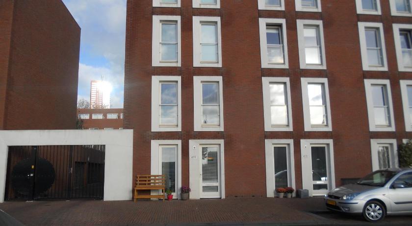 Sewdien's Apartment Maashaven (Rotterdam)