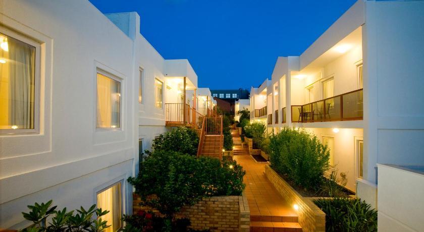 Condo Hotel Hawthorn Gardens Apartments