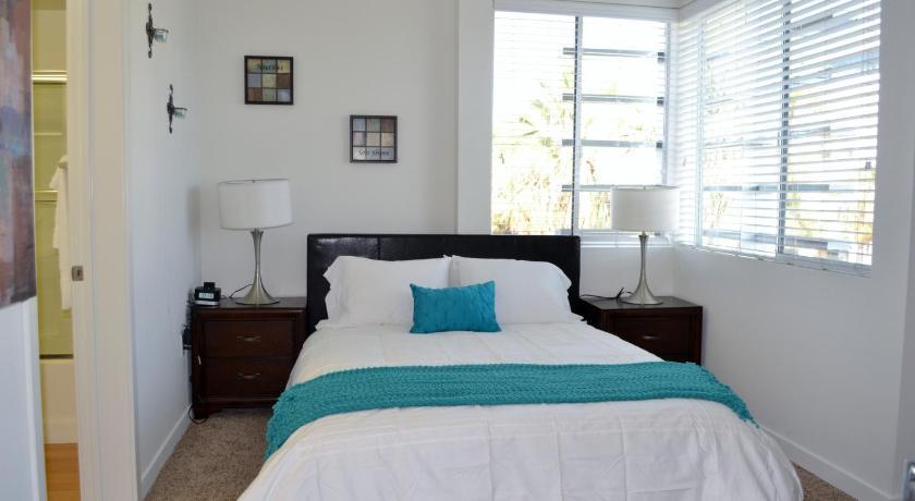Aqua at Santa Monica Beach - A Live Luxe Property (Los Angeles)