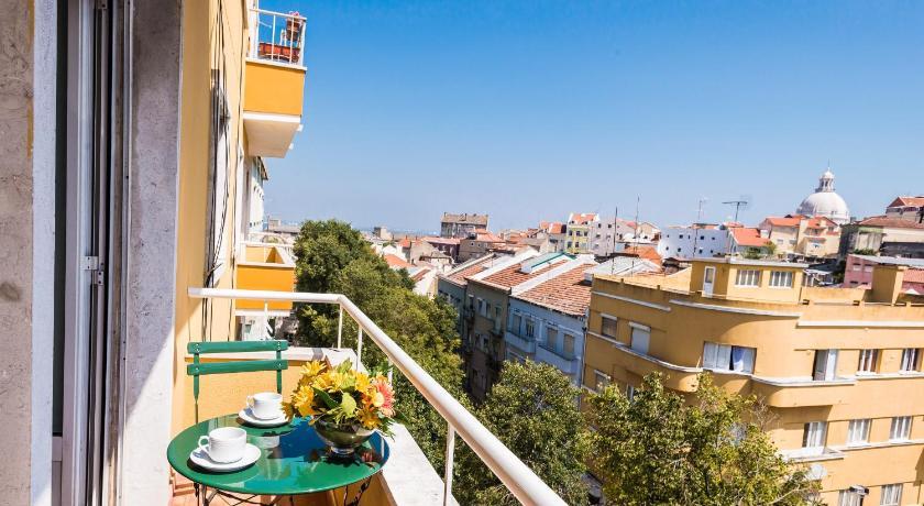 Shortstayflat Spacious Apartment - Graça in Lissabon