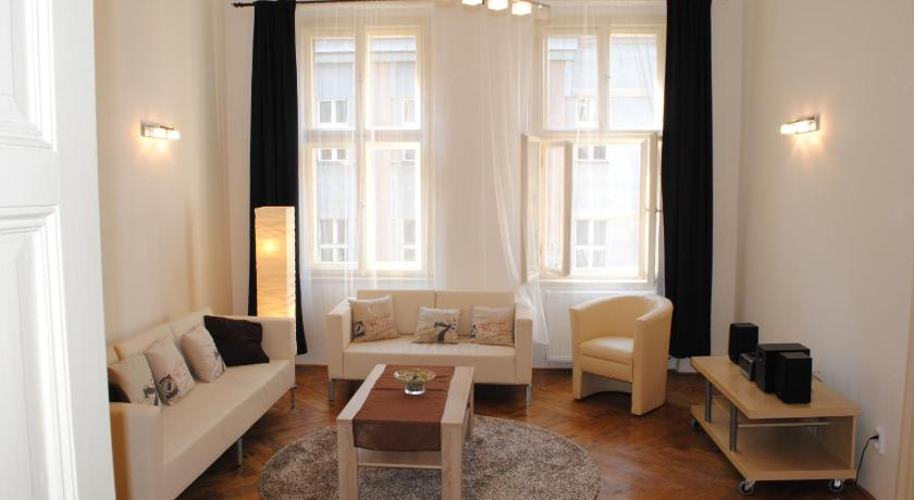 Beautiful downtown apartments with balcony (Prag)