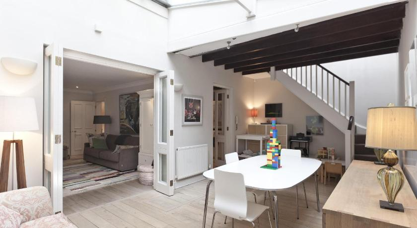 London Escorts Near onefinestay - Holland Park apartments