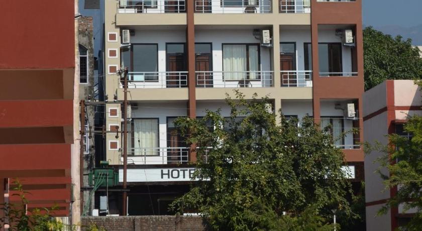 Hotel yog vashishth rish kesh india for Terrace jhula