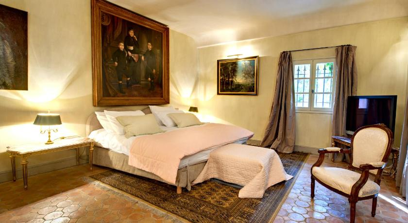 maison d 39 h tes chez bruno lorgues france. Black Bedroom Furniture Sets. Home Design Ideas