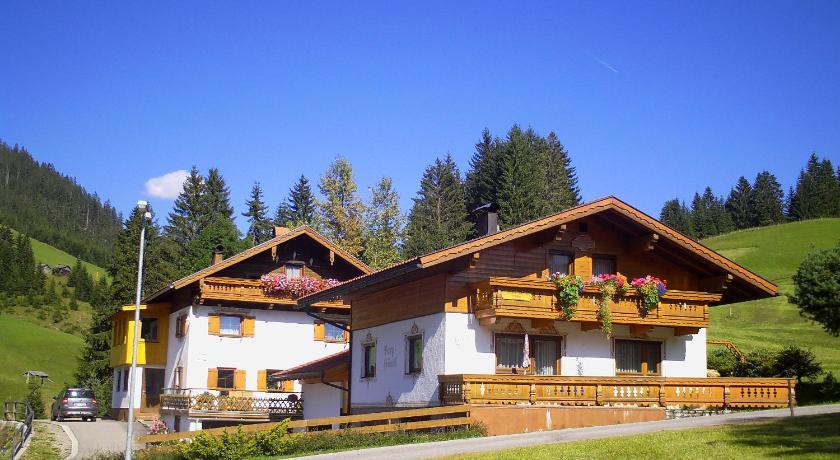 Haus Steinkarblick und Berghäusl (Berwang)
