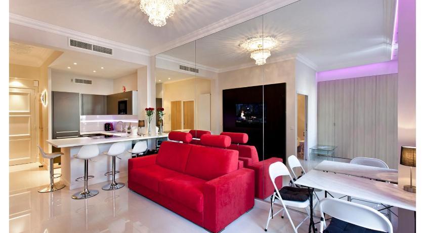 45 Croisette Immobilier- Le Miramar (Cannes)
