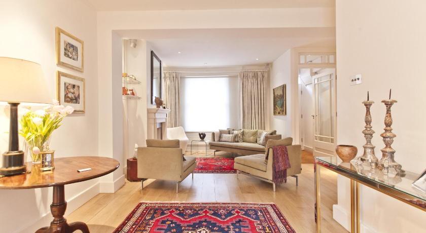 London Escorts Near onefinestay - Kensington apartments
