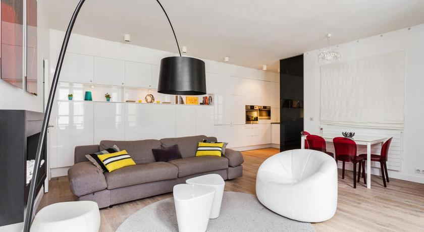 Squarebreak - Beaux-Arts Apartment (Paris)