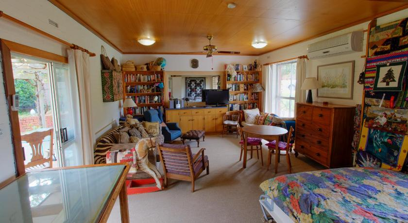 Bed and Breakfast Quilters Studio