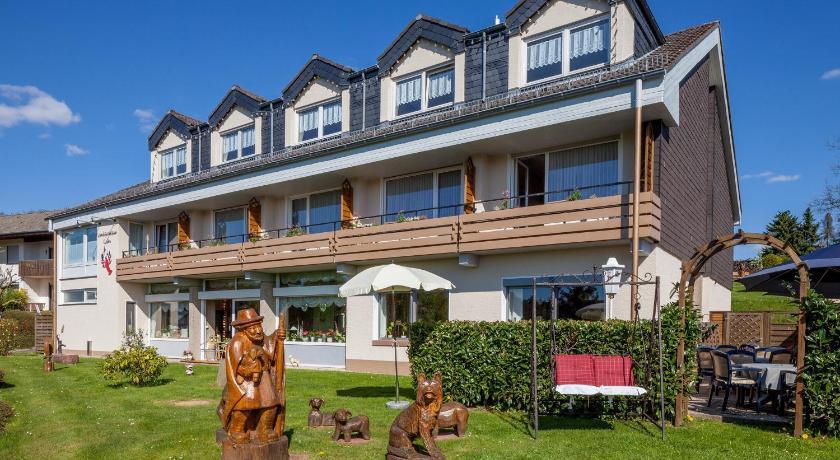 Top deals landgasthaus krebs mehren germany for Design hotel eifel euskirchen germany