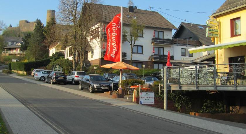 Hotel land zur burg ing eifel n rburg germany for Design hotel eifel euskirchen germany