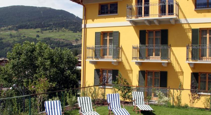 Hotel meuble sertorelli reit bormio italia for Meuble ottimo