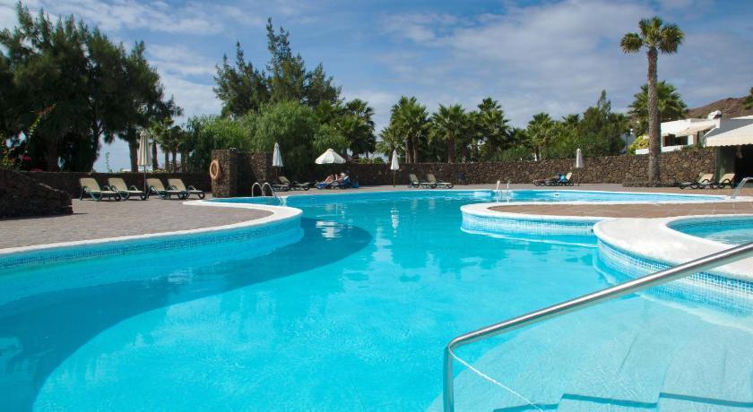 kanarische sonne zum schnappchen preis 7 nachte auf With katzennetz balkon mit palmeras garden apartments playa blanca lanzarote
