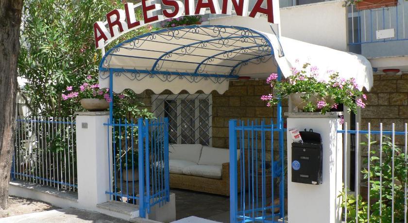 Hotel Arlesiana (Rimini)
