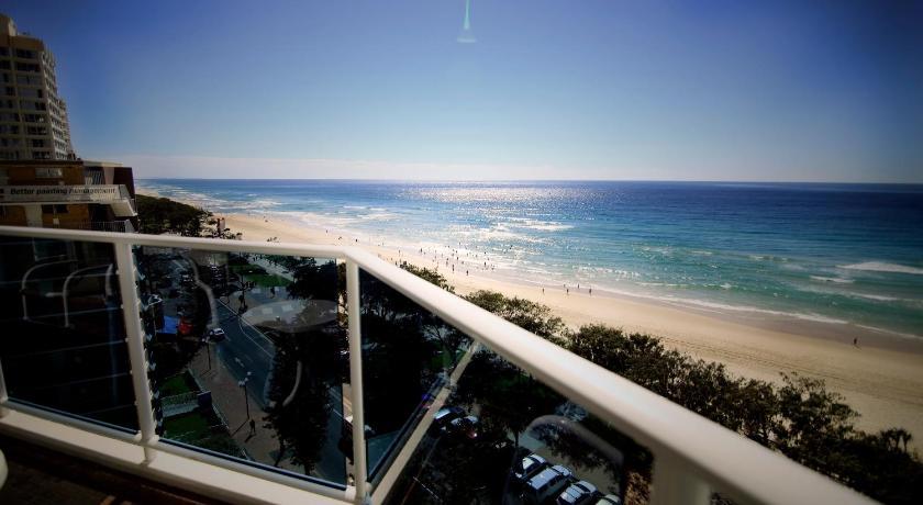 Condo Hotel Grosvenor Beachfront Apts