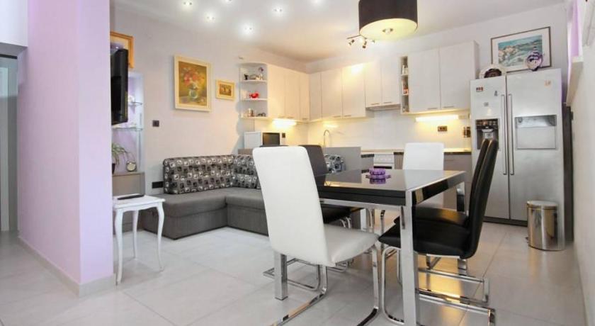 Apartment Gentle Rose in Split