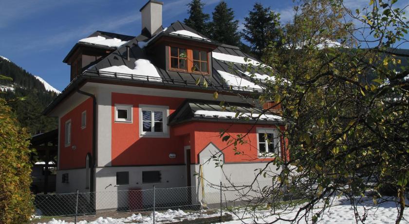 Villa Schnuck - das rote Ferienhaus (Bad Gastein)