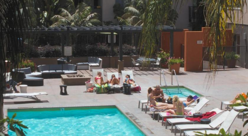 Heaven on Hollywood Furnished Apartments (Los Angeles)
