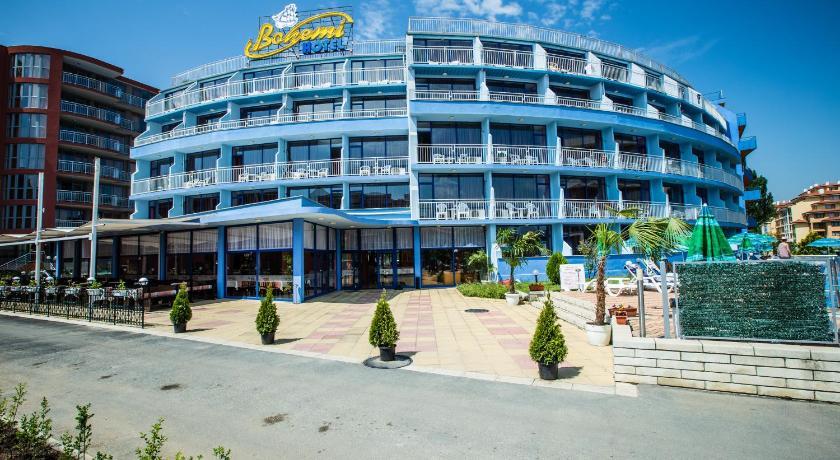 Bohemi Hotel, Property building, Day