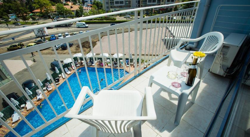 Bohemi Hotel, Pool view, Balcony/Terrace