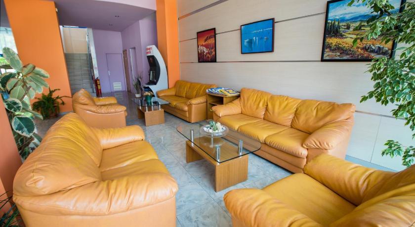 Bohemi Hotel, Living room
