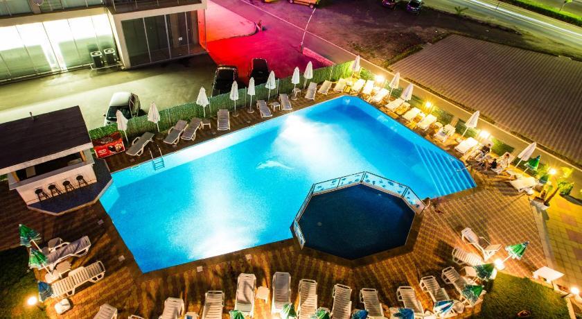 Bohemi Hotel, Night, Pool view