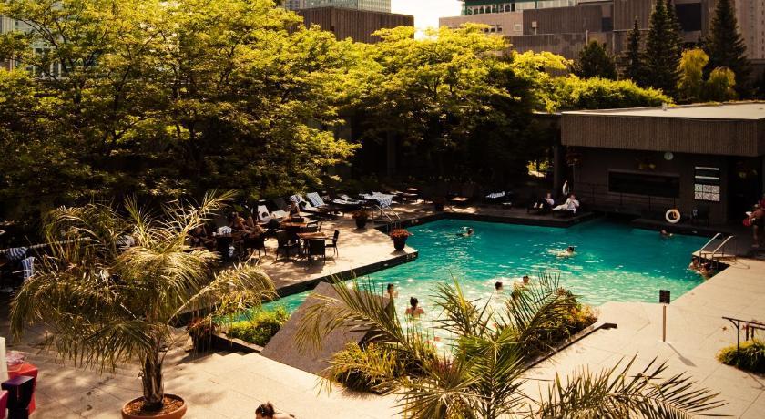 Bonaventure Hotel Pool Hotel Montreal Bonaventure