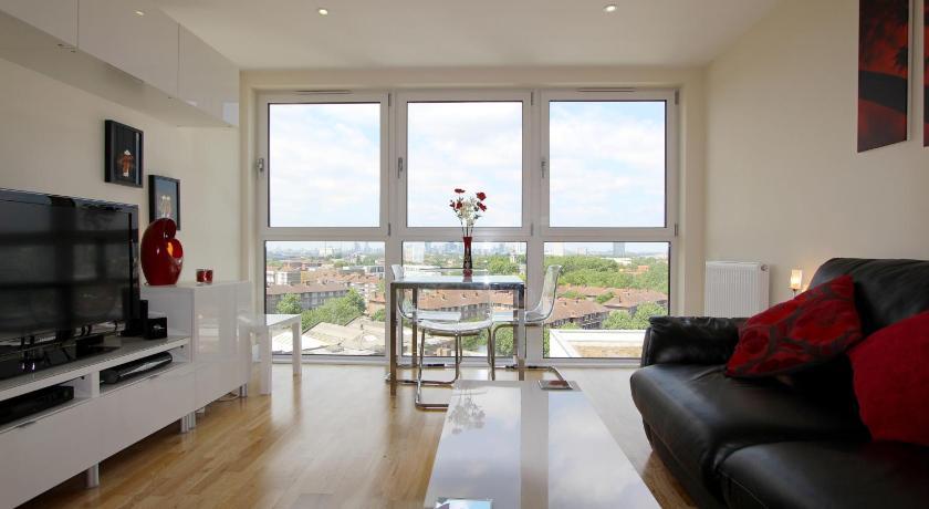 Greenwich High Street Apartment (London)