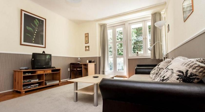 Toldy Apartment (Budapest)