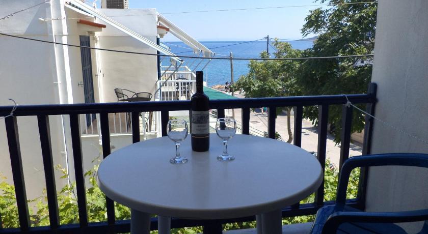 To Kamari, Hotel, Paralia Agias Foteinis, Chios Island, 82100, Greece