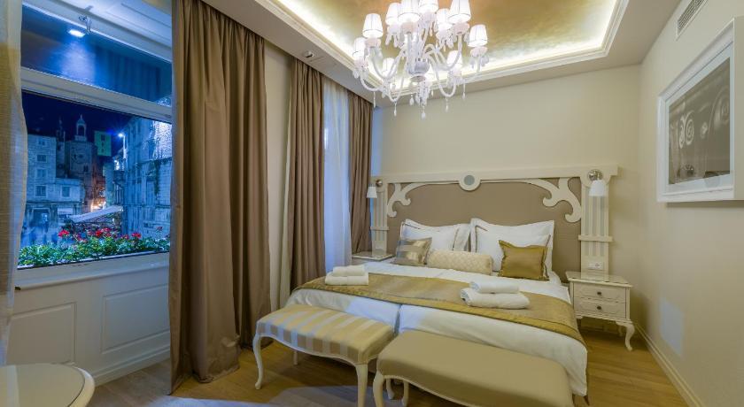 クロアチア,スプリト,ピアッツァ ラグジュアリー ルームズ(Piazza Luxury Rooms)