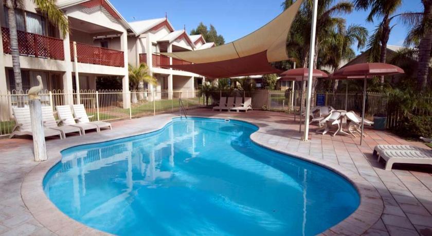Pelican Shore Oceanfront Villa 6