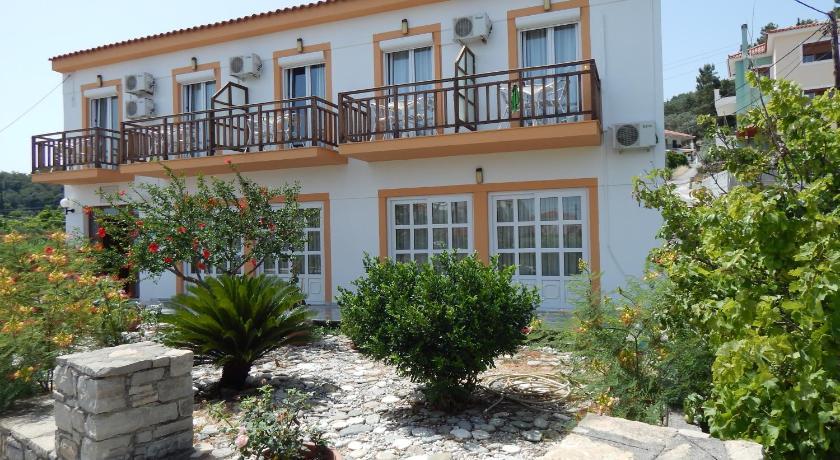 Dina Pension, Hotel, Kokkari, Kokari, 83100, Greece