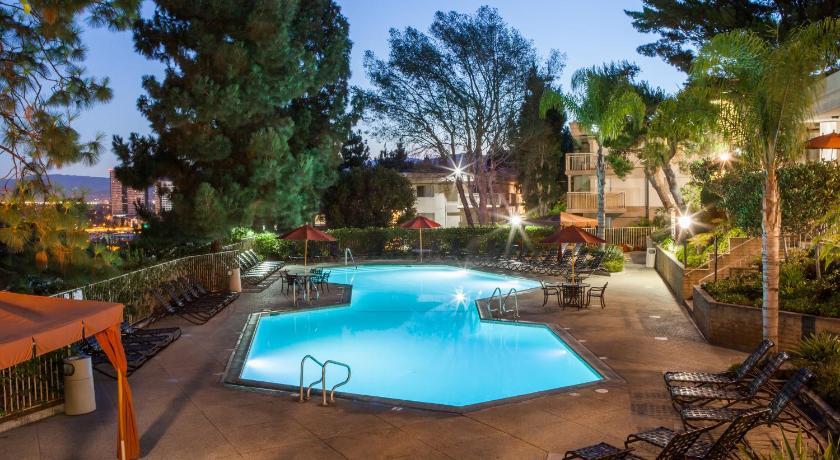Oakwood Toluca Hills (Los Angeles)