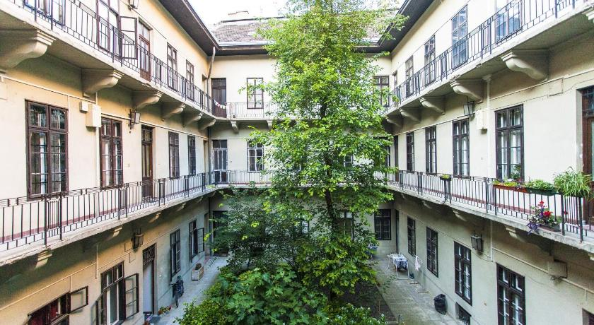 Tomkha apartman (Budapest)